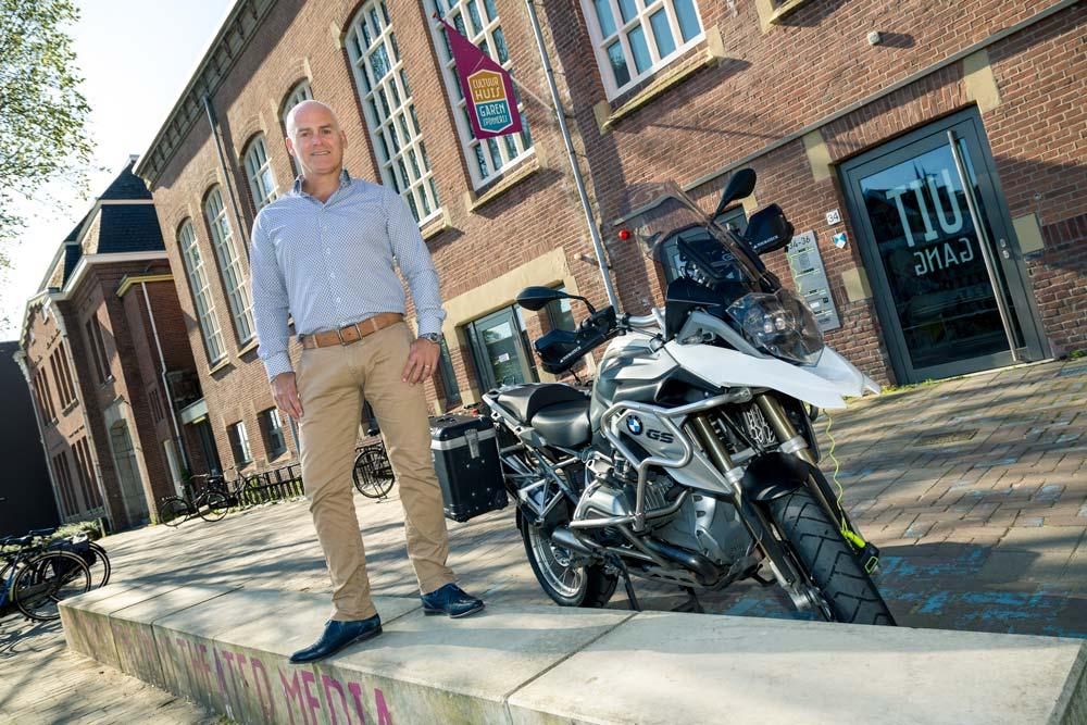 Voordeur fotoshoot actie van Willem van den Broek bij de Garenspinnerij in Gouda